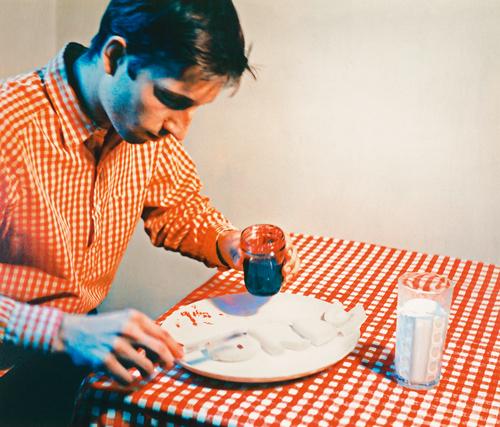 Ink-jet print exhibition copy (originally chromogenic development print), 19 3/8 × 23 3/16 in. (49.2 × 60.5 cm), Collection Museum of Contemporary Art Chicago, Gerald S. Elliott Collection, 1994, photo: Nathan Keay, © MCA Chicago, © Bruce Nauman / 2018, ProLitteris, Zurich