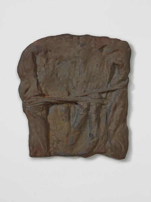 Cast iron, 68.5 × 59 × 6 cm, Ed. 9 + 1AP, Emanuel Hoffmann Foundation, on permanent loan to the Öffentliche Kunstsammlung Basel, photo: Bisig & Bayer, Basel, © Bruce Nauman / 2018, ProLitteris, Zurich