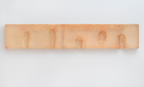 Fiberglass and polyester resin, 15 5/8 × 85 1/4 × 2 3/4 in. (39.7 × 216.5 × 7 cm), San Francisco Museum of Modern Art, The Agnes E. Meyer and Elise S. Haas Fund and Accessions Committee Fund: gift of Collectors' Forum, Doris and Donald Fisher, Evelyn Haas, Mimi and Peter Haas, Pamela and Richard Kramlich, Elaine McKeon, Byron R. Meyer, Nancy and Steven Oliver, Helen and Charles Schwab, Norah and Norman Stone, Danielle and Brooks Walker, Jr., and Pat and Bill Wilson, photo: Ben Blackwell, © Bruce Nauman / 2018, ProLitteris, Zurich